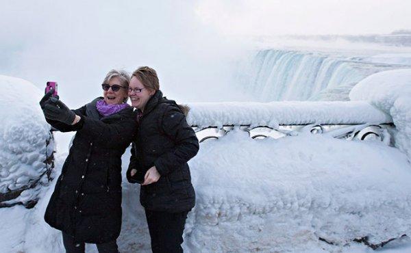 Замёрзший Ниагарский водопад (13 фото + видео)