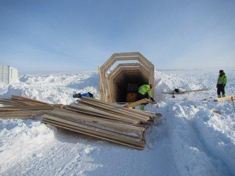 Город-ледник, высеченный во льдах Исландии (10 фото + 2 видео)