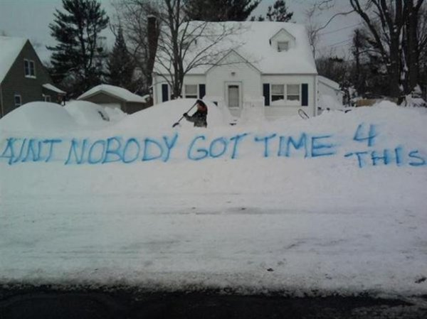 Топ-15: Забавные примеры того, на что может сгодиться снег