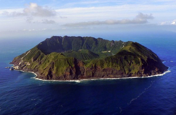 Вулканический остров Аогасима (12 фото)