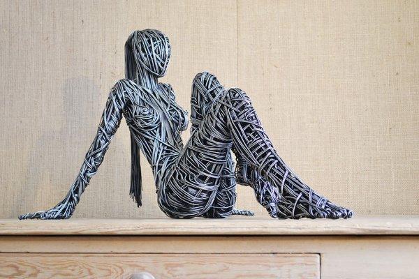 Впечатляющие скульптуры из проволоки Ричарда Стэйнторпа (8 фото)