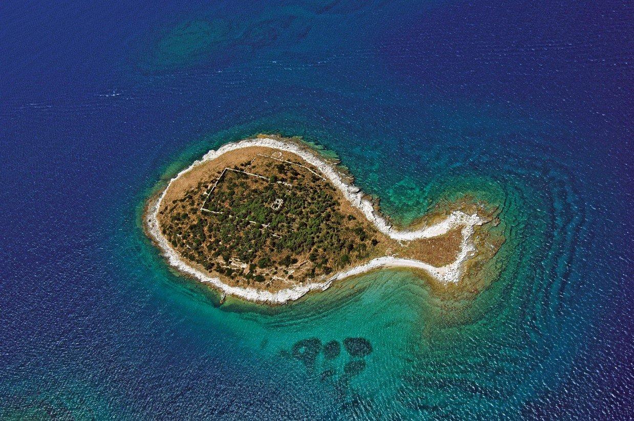 Картинки по запросу самые необычные острова
