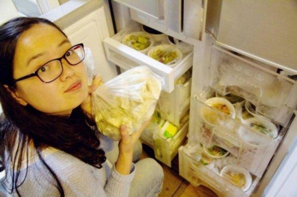 Заботливый муж приготовил жене еды на целый год (6 фото)