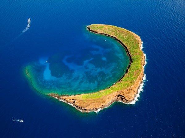 Острова необычной формы (12 фото)