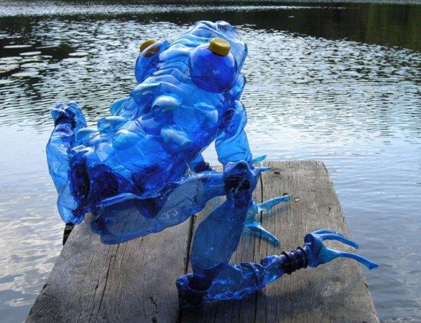 PET-скульптуры Вероники Рихтеровой (10 фото)