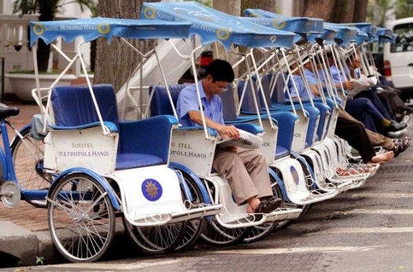 Самые необычные виды транспорта со всего света (14 фото)
