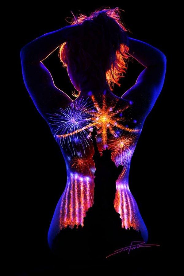 Светящийся боди-арт Джона Попплтона (11 фото)