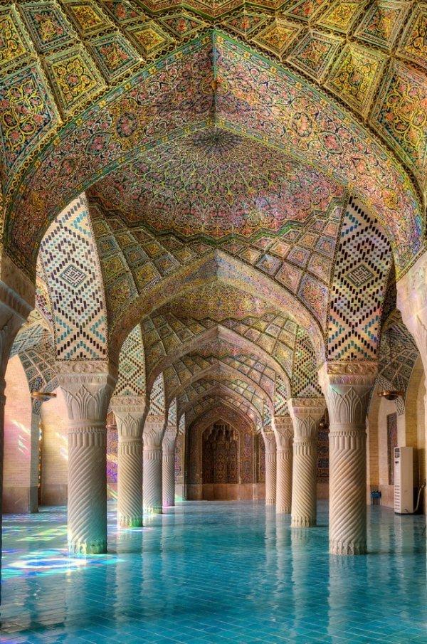 Радужная мечеть в фотографиях Рамина Рахмани Неджада (18 фото)