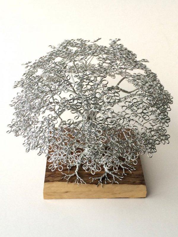 Деревья из проволоки, созданные Клайвом Мэддисоном (8 фото)