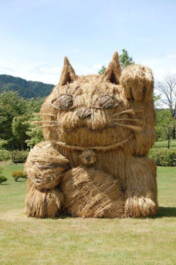 Соломенные скульптуры на фестивале в Японии (18 фото)