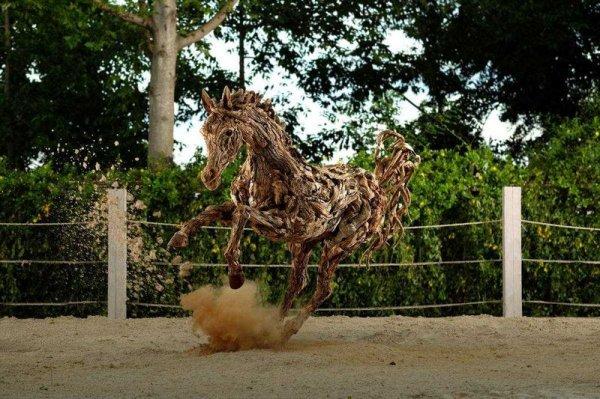 Деревянные скульптуры животных, созданные Джеймсом Дораном-Уэббом (10 фото)