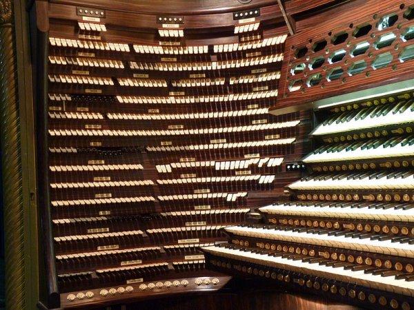 Самый большой орган в мире в Боардуок Холл (14 фото)