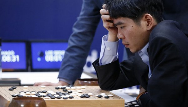 Искусственный интеллект сумел обыграть чемпиона мира по игре го
