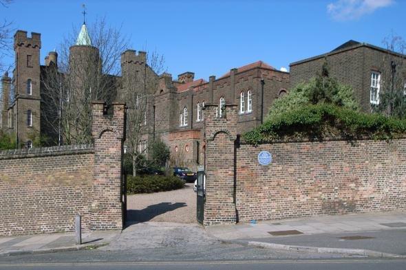 В Лондоне реализуют замок восемнадцатого века
