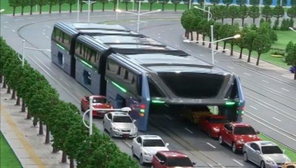 В Китае придумали автобус, который двигается над автомобилями