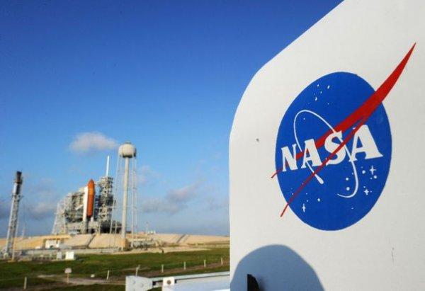 Для НАСА разработают лунаход-геолог