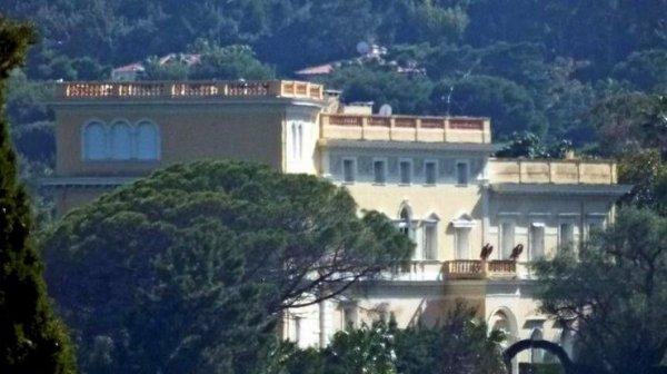 Во Франции продают самый дорогой в Европе дом