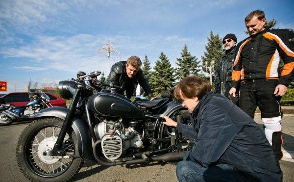 Житель Оренбурга создал мотоцикл из металлолома