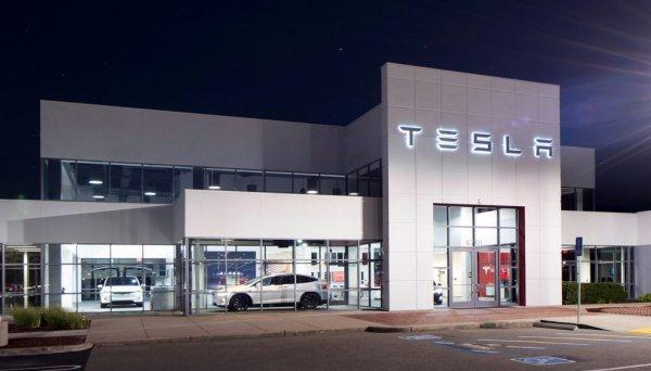 Каждая новая машина Tesla будет полностью самоуправляемой