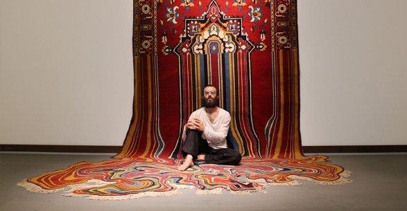 В Нью-Йорке проходит выставка азербайджанского художника, которого на родине считают сумасшедшим