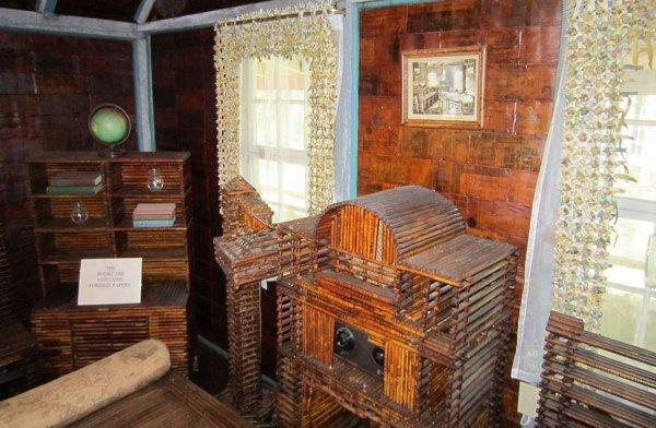 Дому, возведённому из газет, скоро исполнится сто лет