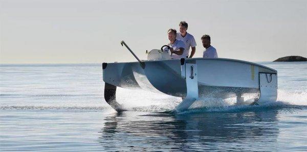 Стартап из Франции SeaBubbles продемонстрировал прототип речного такси