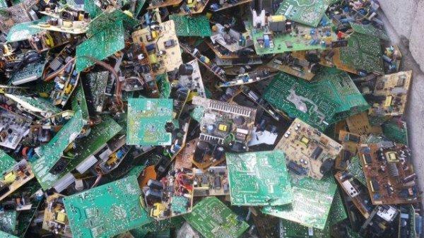 Исследователи представили новые деградируемые электронные элементы