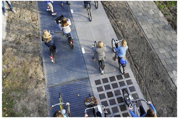 В Голландии возникли солнечные велосипедные дороги