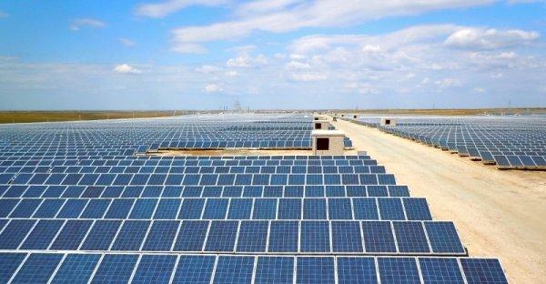 В Китае начала работать самая крупная на всём земном шаре солнечная электростанция