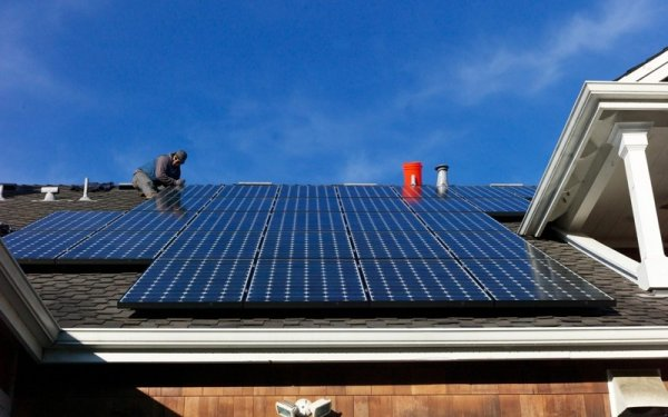 В Германии дома будут получать 5% требуемой электрической энергии от солнечных электростанций, установленных на крышах