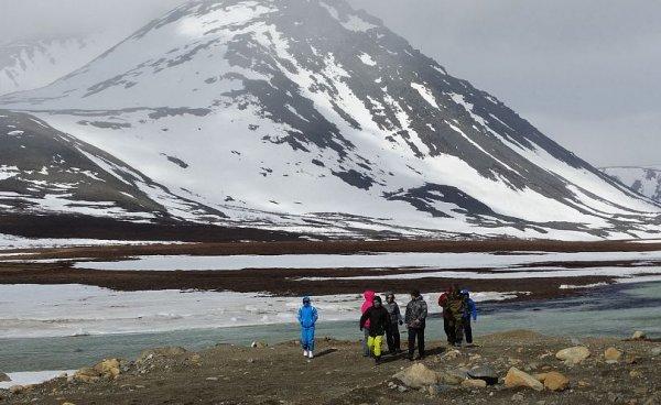 Ямальские научные деятели поднялись на гору Чёрная