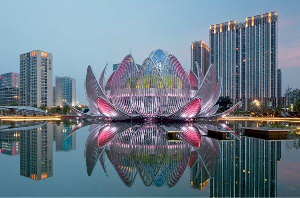 В Китае возникло здание в форме лотоса