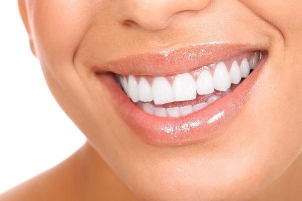 Самые современные методики отбеливания зубов