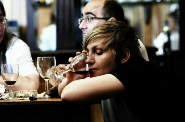 Учёные доказали, что женский алкоголизм опаснее мужского