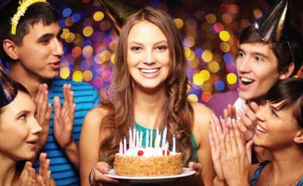 Все плюсы празднования дня рождения в ресторане