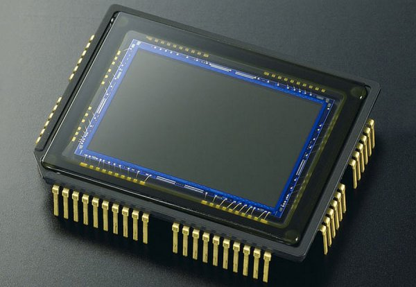 Hitachi занимается разработкой фотоаппарата без линз