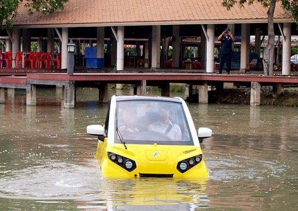 Бывший сотрудник Toyota придумал плавающую машину