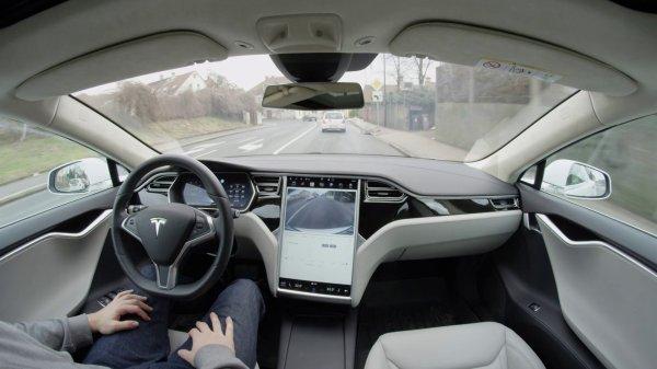 Беспилотная машина Tesla проедет через всю территорию США