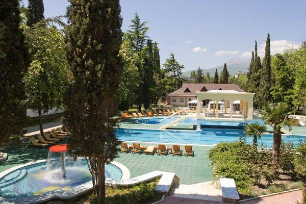 Алушта – идеальный курорт для людей всех возрастов