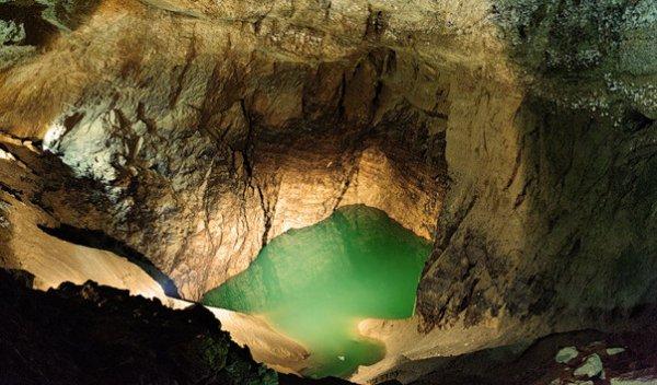 Новоафонская пещера – обязательное место для посещения в Абхазии