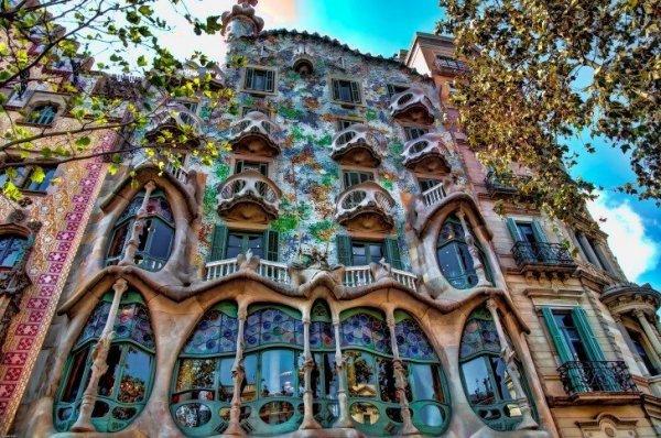 Архитектурные особенности дома Бальо в Барселоне