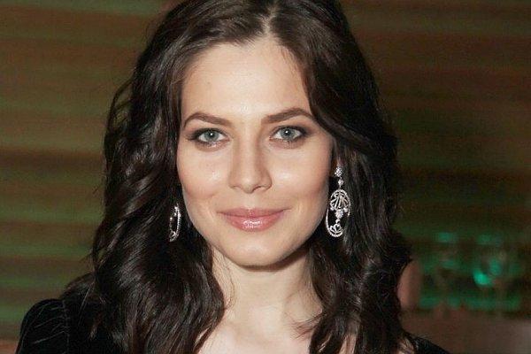 Юлия Снигирь стала лицом популярного бьюти-бренда