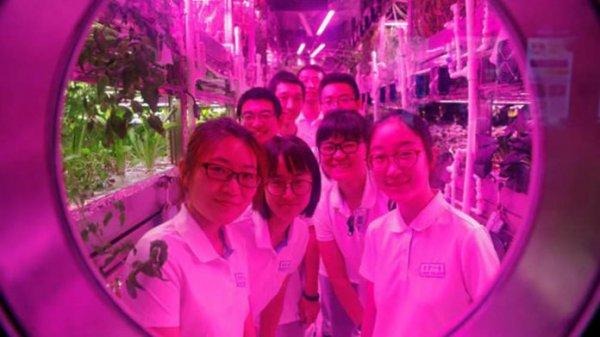Китайские студенты попали в условия лунной симуляции
