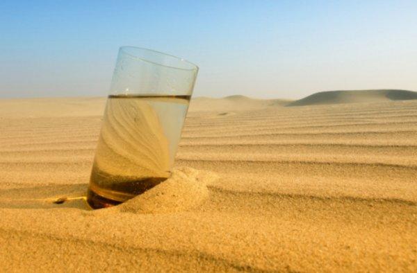Учёные научились добывать воду из воздуха в пустыне