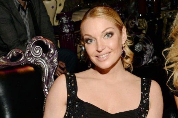 Анастасия Волочкова пригласила мексиканца с собой в баню