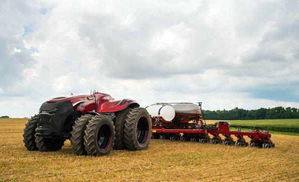 В полевых зонах Ленинградского региона возникнут беспилотные тракторы