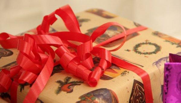 Как правильно преподносить корпоративные подарки?