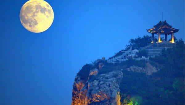 В Китае хотят запустить искусственную луну