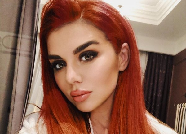 Анна Седокова сменила цвет волос