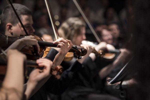 Нейросети создали пьесу для симфонического оркестра